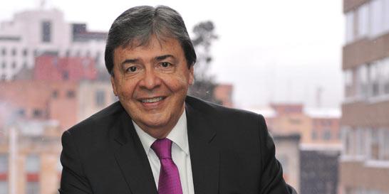 Carlos Holmes Trujillo: #1DeAbrilALaCalle